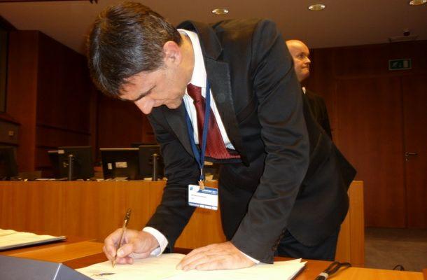 Krsmanović u Briselu potpisao Sporazum
