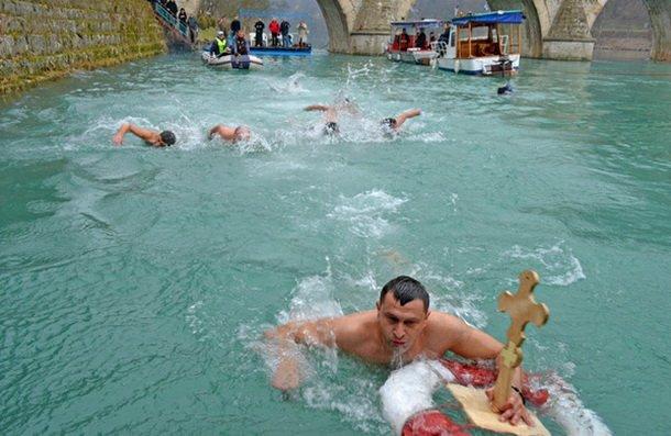 Bogojаvljensko plivаnje zа Čаsni krst