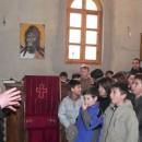 Mladi fudbaleri sa Kosova u manastiru