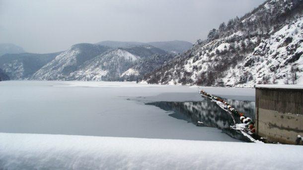 Zaledilo gornje Drinsko jezero