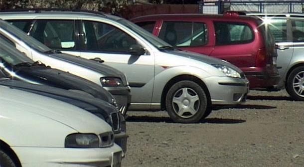 Automobili