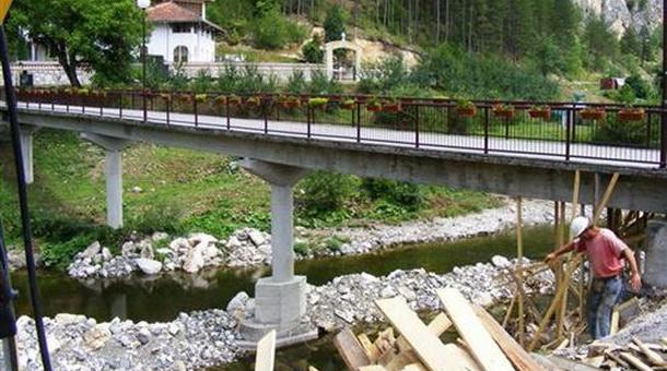 Pavlovića most na Rzavu kod manastira Dobrun