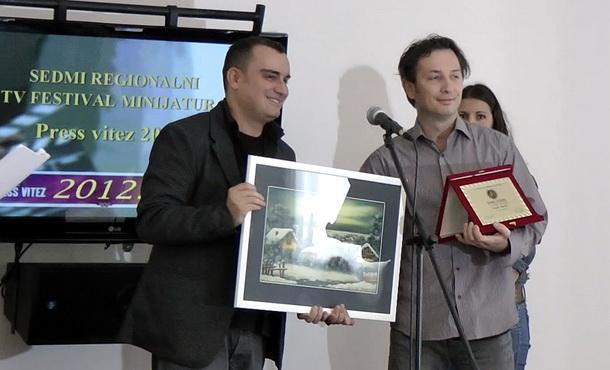 Novak Knežić - Zlatna plaketa
