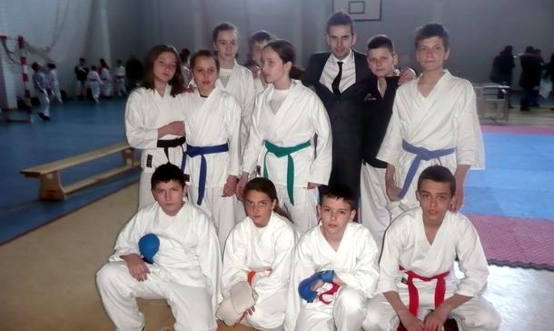 Mladi karatsti u Bileći