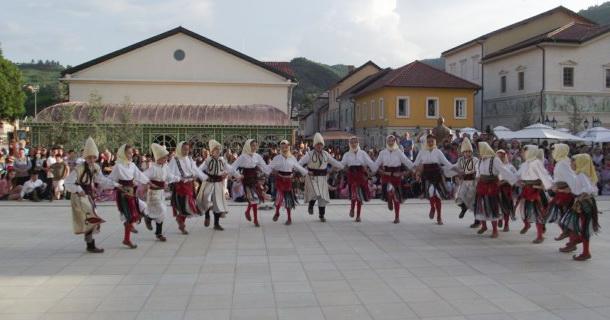 10 Festivan folklora u Andrićgradu