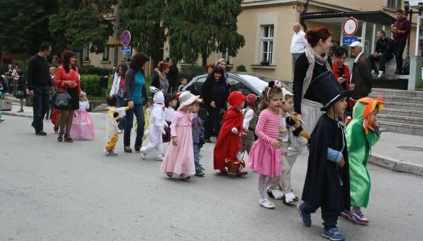 Dječiji maskenbal u Višegradu