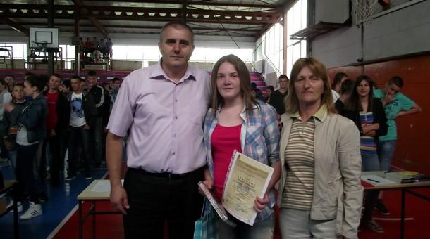 Katarina Filipović sa direktorom i razrednom