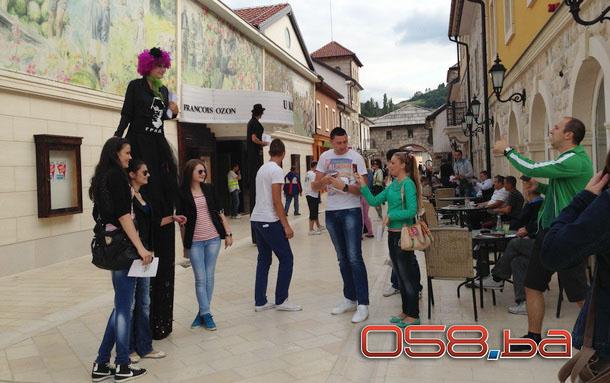 Turisti u Andrićgradu