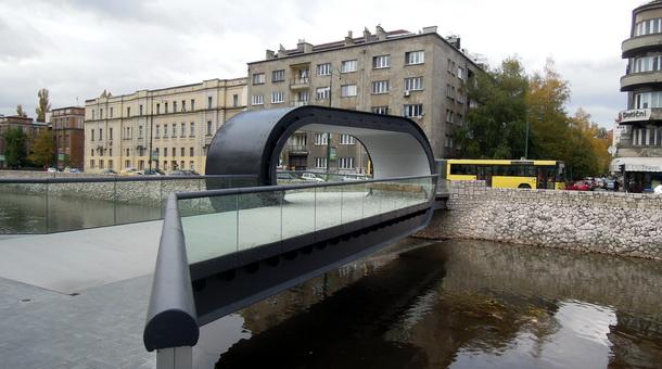 Most u Sarajevu-Festina lente