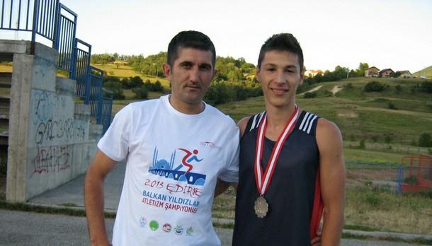 Bojan Stanišić sa trenerom Goranom Ješićem