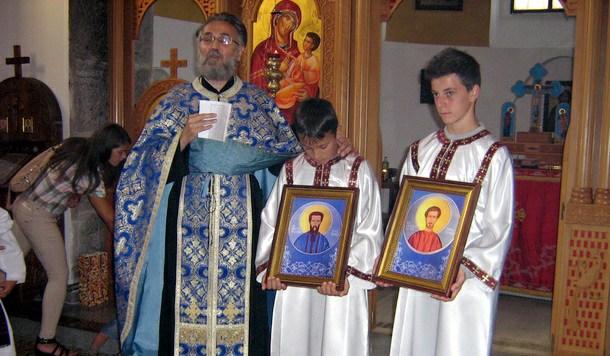 Osvećenje ikona Rodoljuba i Relje