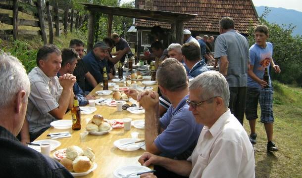 Domaćini i gosti u Kusucima