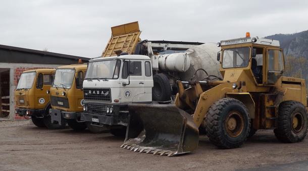 AMD Višegrad - bageri i kamioni