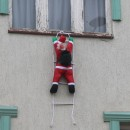 Deda Mraz na prozoru