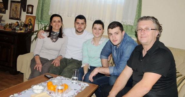 Lukijan Ivanović sa porodicom