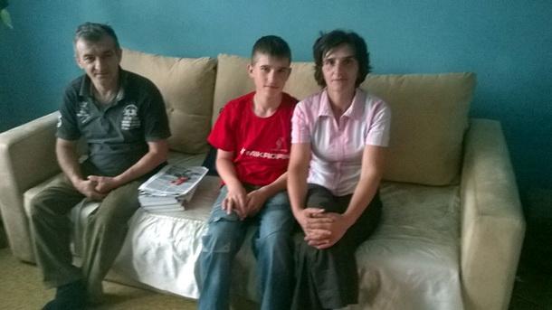 Aleksandar Ilić sa roditeljima