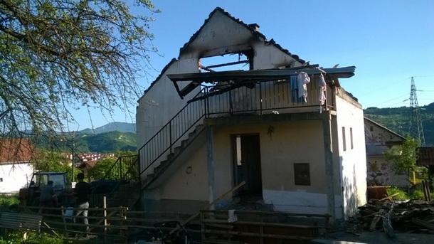 Izgorela kuća u Rogatici