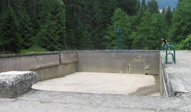 Ciscenje bazena u Cajnicu