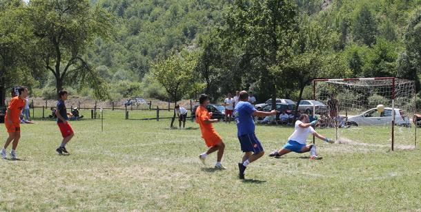 Mali fudbal u Vardištu