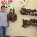 Nenad Kanostrevac sa svojim proizvodima