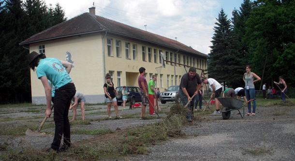 Volonteri uredili Tjentište