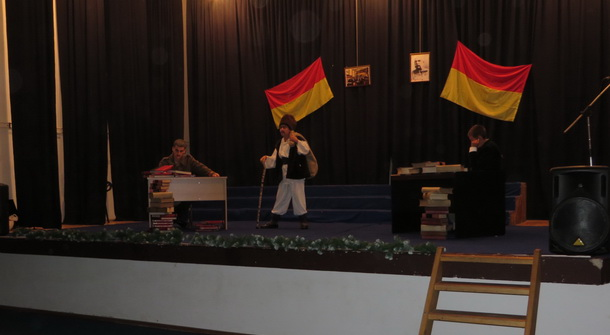 Rogatica-detalj iz predstave Jazavac pred sudom