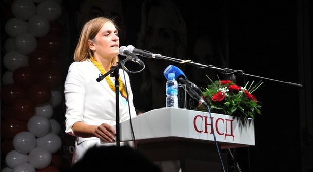 Sonja Mitrasinovic na tribini