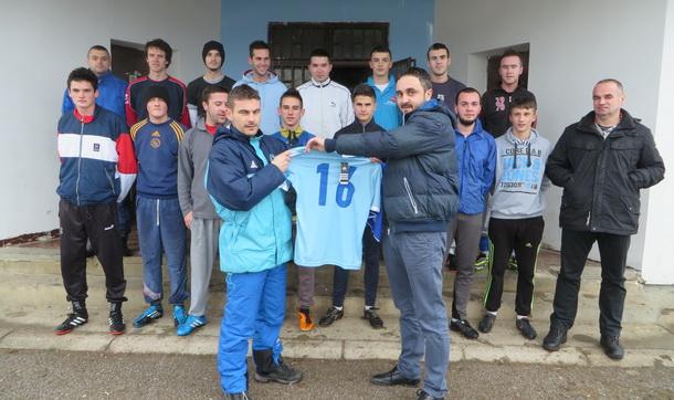 Dresovi FK Mladost