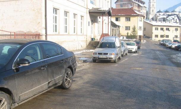 Ociscen snijeg u Cajnicu