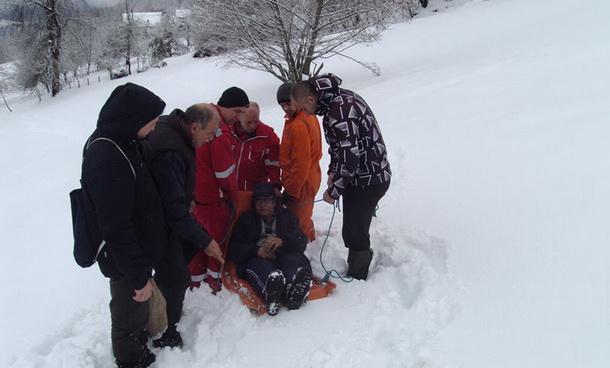 Snijeg Wolf spasava