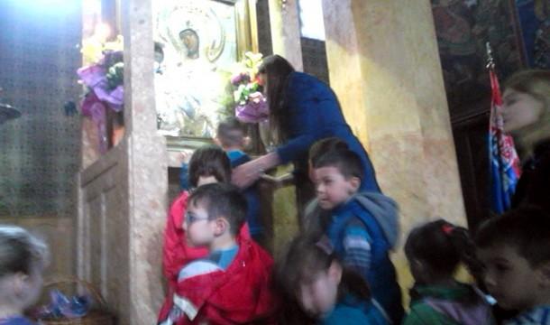 Djeca u hramu u Cajnicu