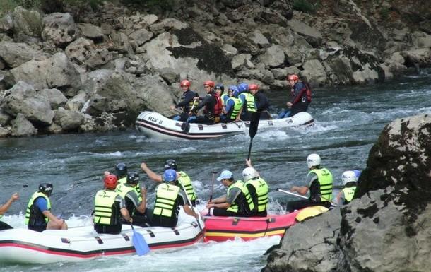 Rudo-rafting