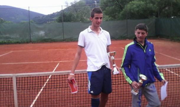 Tenis u Foci