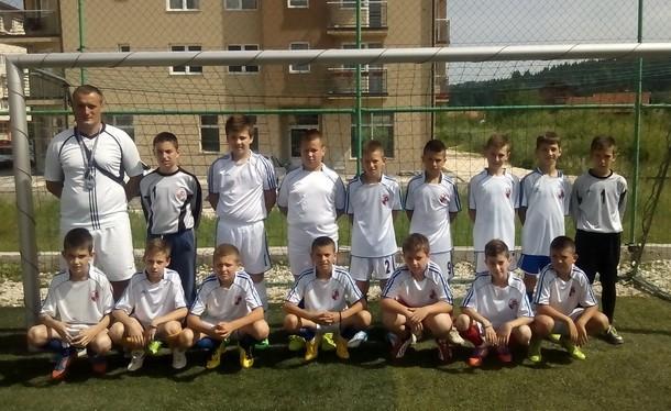 Mladi fudbaleri 2004 roga