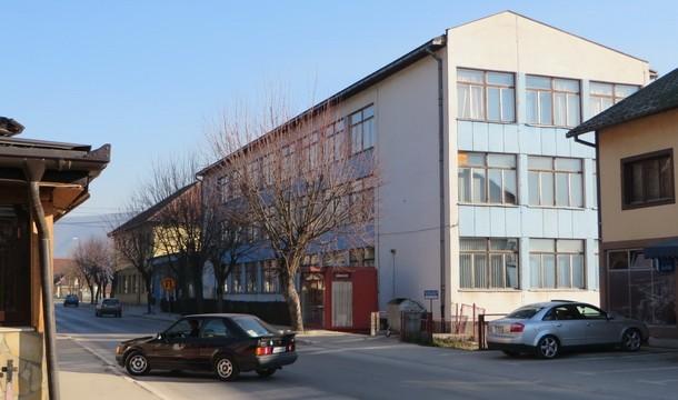 Srednja skola u Rogatici