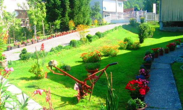 Dvoriste u Cajnicu