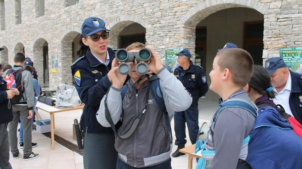 Granicna policija u Andricgradu
