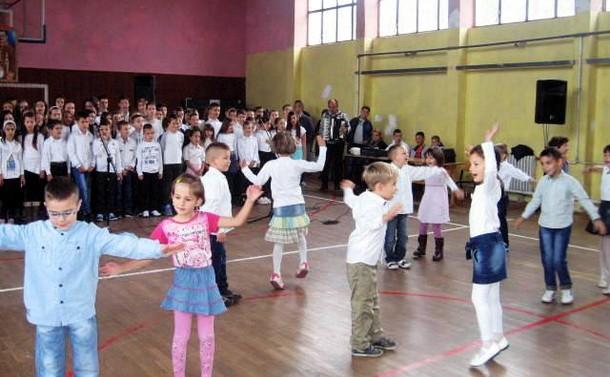 Dan skole u Cajnicu