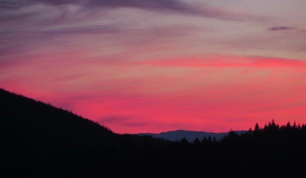 Crveno nebo u Rogatici