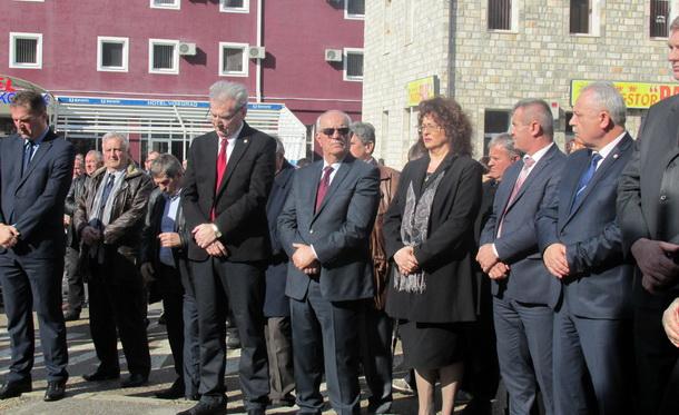 [Slika: Vijenci-u-Visegradu-2.jpg]