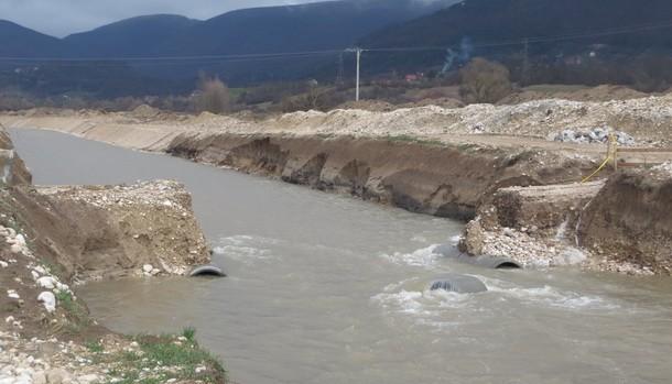 Most za Krmcice odnijela voda