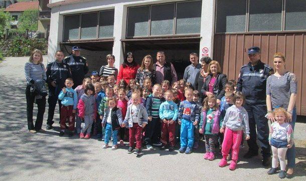 Djeca u policiji 2