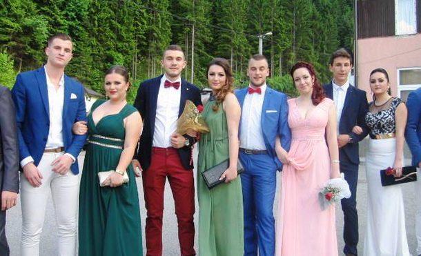Maturanti u Cajnicu (2)