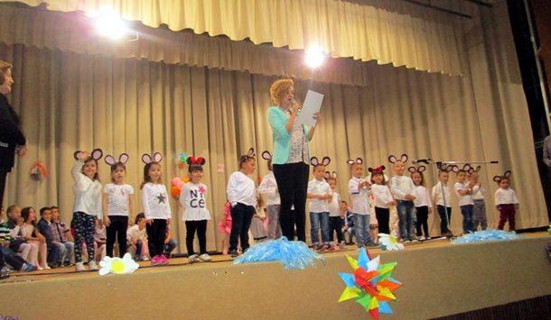 Priredba djece u Cajnicu (2)