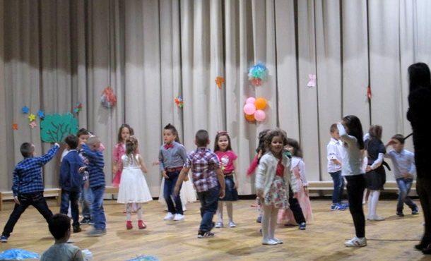 Priredba djece u Cajnicu (3)