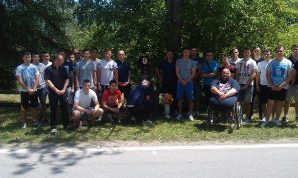 Sutjeska na grobu Miloja Savica