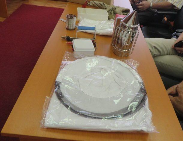 Japanci pcelarima u Rogi (2)