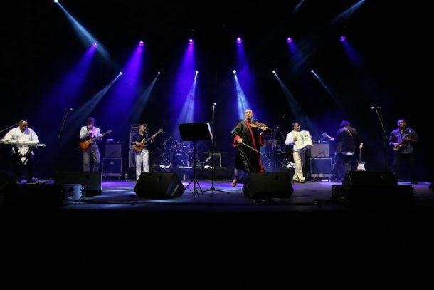 emir-kusturica-i-the-no-smoking-orchestra-2