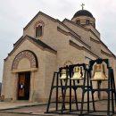 Вишеград - црквена звона испред Хра