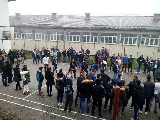 dan-srednjoskolaca-u-cajnicu-1